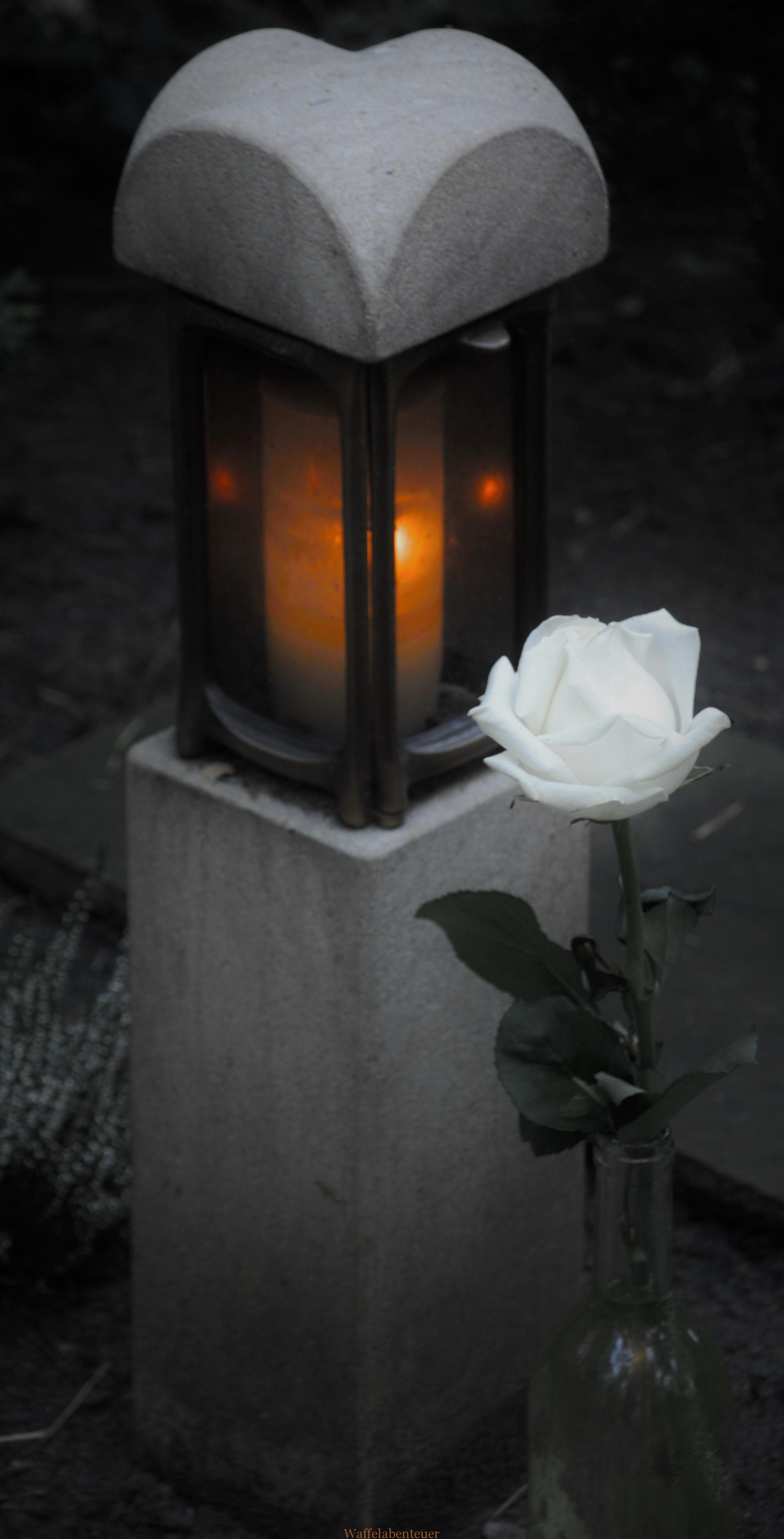 Kerzenlicht im Aprilwetter